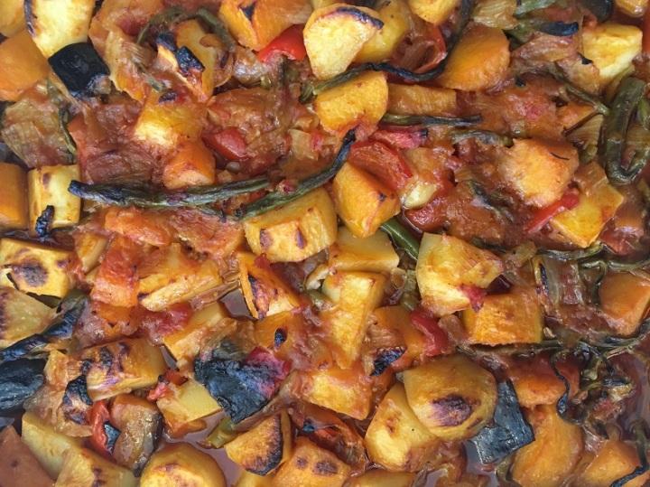 סיר ירקות ברוטבעגבניות