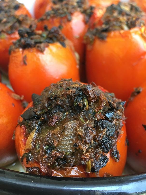 עגבניות ממולאות בעשביתיבול