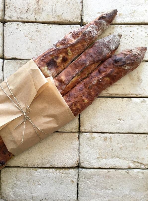 מקלות של לחם בשר בתיבולמרוקאי