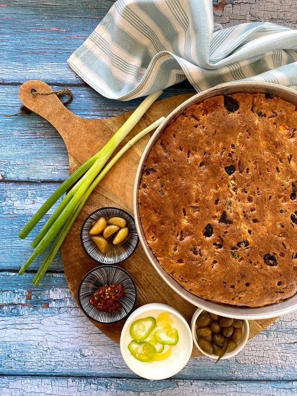 לחם טורקי של זיתים וגבינה הכי קללהכנה