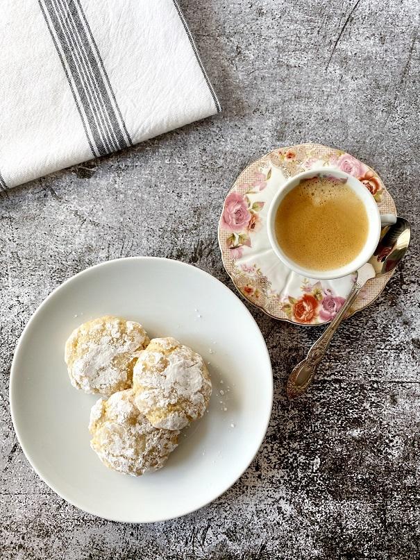 עוגיות אמרטי נימוחות כמובאיטליה