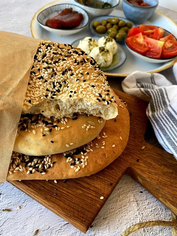 לחם טורקי שטוח –בזלמה