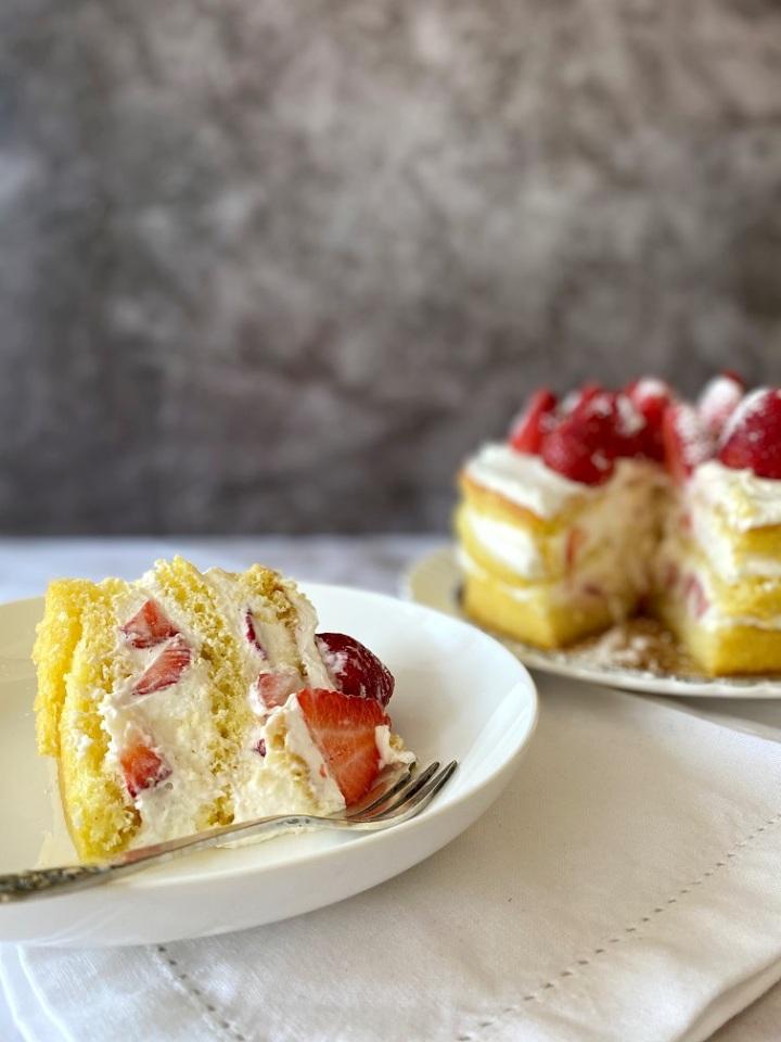 עוגת תותים וקצפת שלפעם